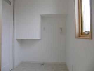 understairs2.jpg